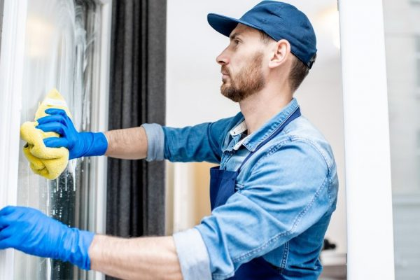 Why You Should Hire Professionals for Window Cleaning